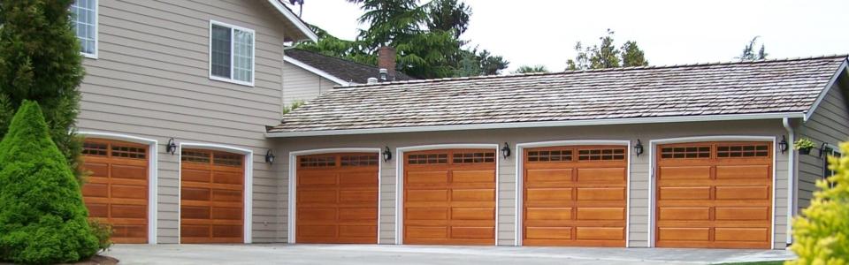 NWdoor-Raised-Wood-Panel-323SR-52-Stockton-No-Bolts-2000×1062